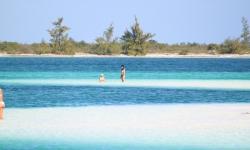Strandok-Kuba-vitorlással