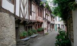 bretagne_canal_de_nantes_a_brest_village