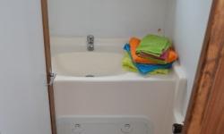 Tarpon 37 N fürdő