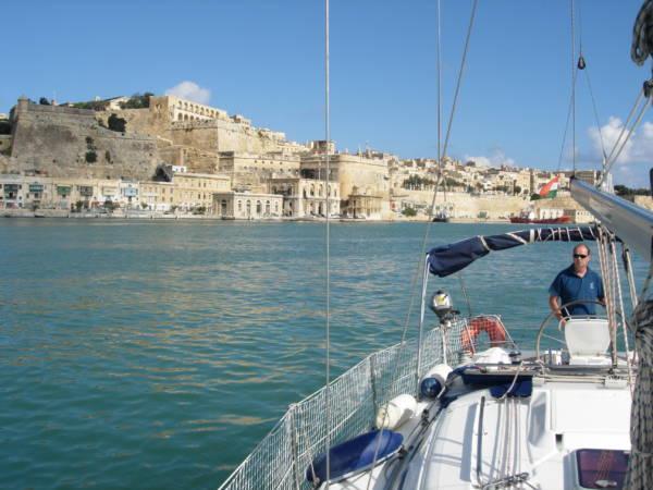 Máltai vitorlás bérlés